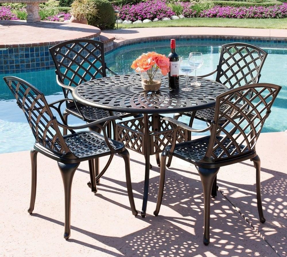Коллекция столов из литого алюминия Седона
